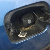 Skoda Rapid 1,6 (врезка заправочного устройства под лючок бензобака) – фото 3