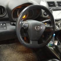 Toyota RAV 4 2.0 – фото 1