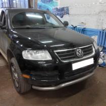 Volkswagen Touareg – фото 1